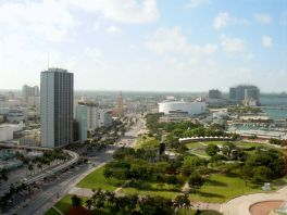 800px-miami-downtown-from-intercontinental-hotel