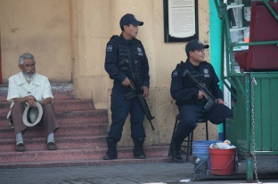 police mexico scazon