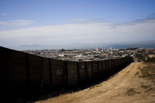 Contractor For Israel S Apartheid Wall To Build Us Border
