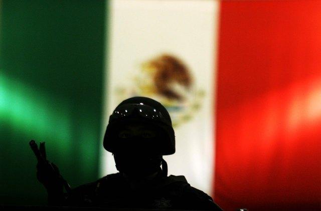 MEXICO, Ciudad de México, 12AGOSTO10. En el centro de mando de la Policía Federal fueron presentados 12 personas detenidas en dos operativos distintos en la República Mexicana. Foto: Jesús Villaseca P/Latitudes Press.