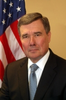 Gil_Kerlikowske_official_portrait_small