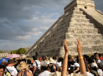 Chichen_Itza_Temple_of_Kukulcan_Serpent