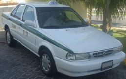Nissan_Tsuru_Taxi.jpg