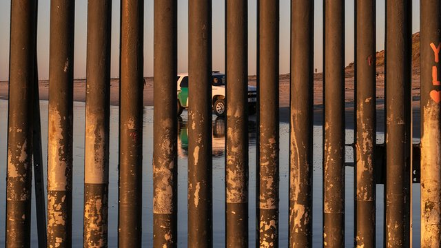 borderwall_010119getty