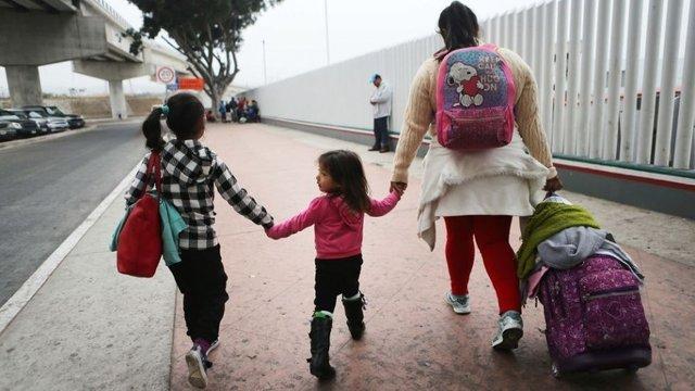 migrants-mexico_border_06222018_0